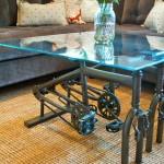 Mesa com peças de bicicletas