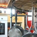 Pendurar objectos de cozinha com roda de bicicleta
